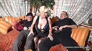 Mature lady ho rides her bigtits when she participates in her threesome fun - 6:41