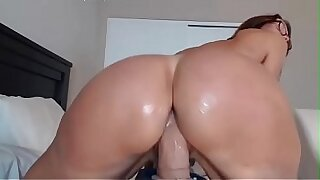 My Sexy Mom Big Ass Booty Dildoing Her Boxing - 6:54