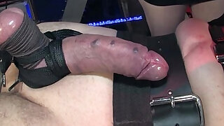 Femdoms bdsm electoplay for wrapped up sub - 6:00