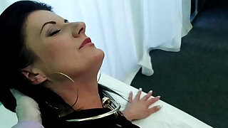 FakeHospital Smart mature blonde MILF has a sex confession to make - 14:00