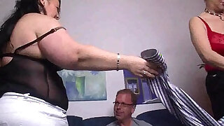Mature german bitches fucked in threesome - 8:00